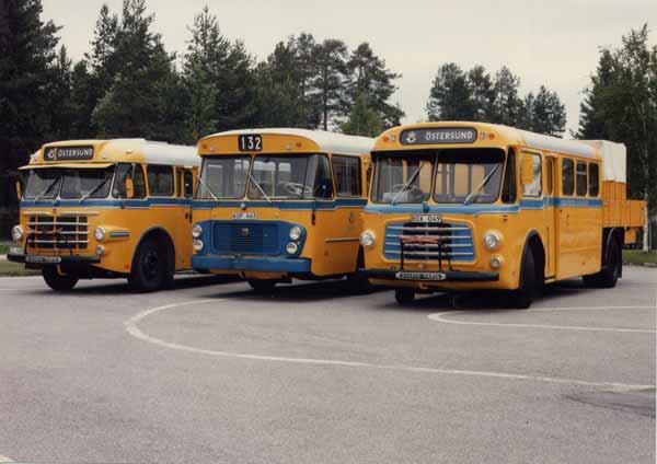 Tre av klubbens postbussar